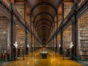 Long_Room_Interior,_Trinity_College_Dublin,_Ireland_-_Diliff (1024x773)